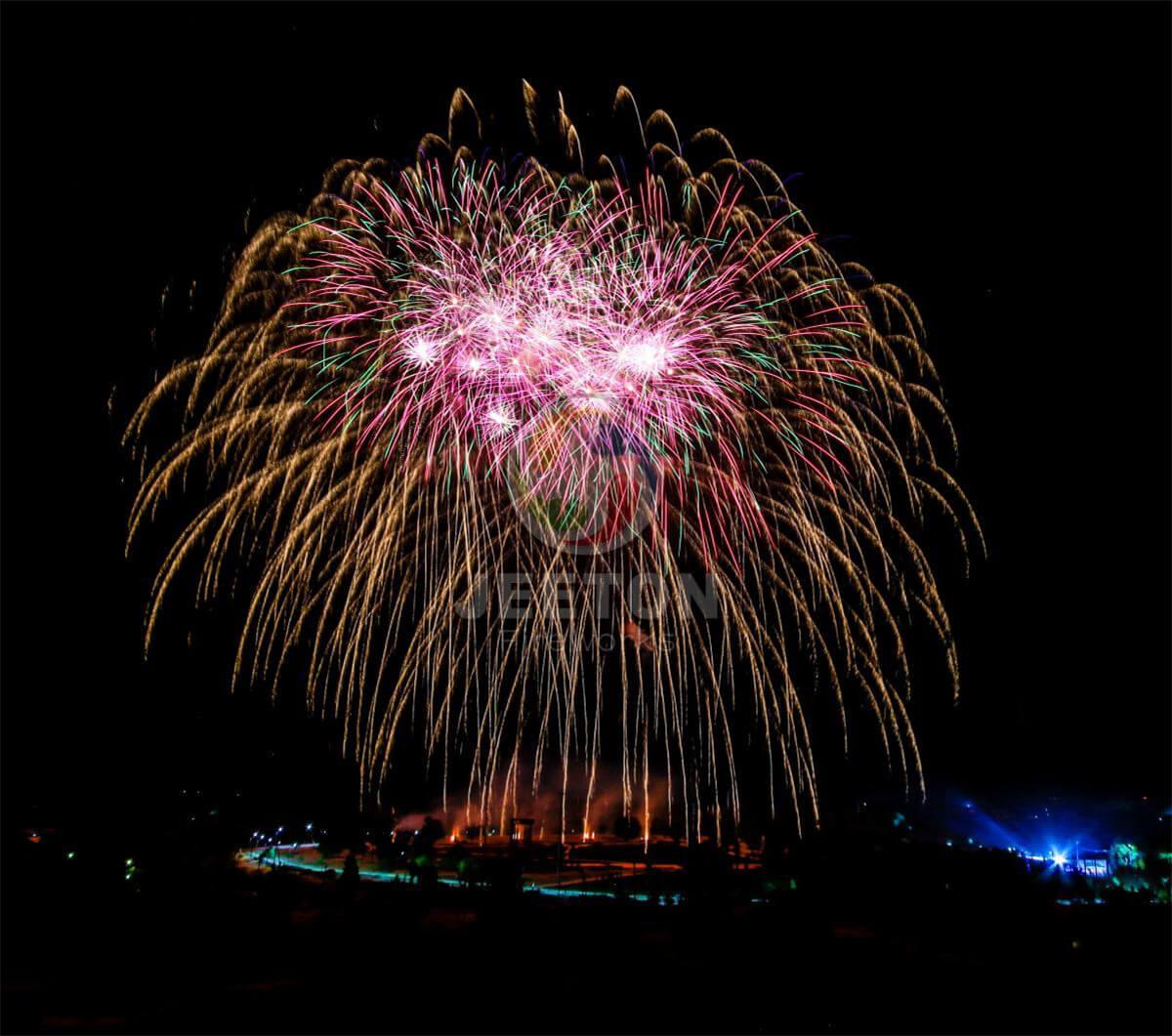乌兹别克斯坦28周年独立日庆典焰火表演